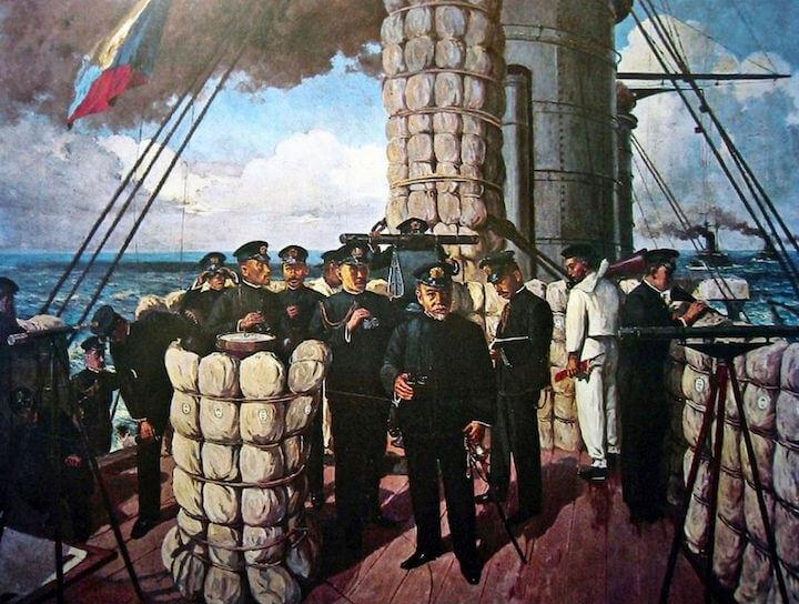 連合艦隊旗艦三笠艦橋で指揮を執る東郷平八郎大将